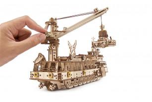 Buque de investigación – maqueta mecánica