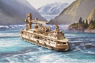 Mechanischer Modellbausatz «Forschungsschiff»