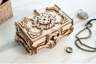 «Antique Box» mechanical model kit