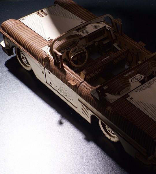 Traum-Cabrio VM-05: Ugears mechanischer 3D Modellbausatz