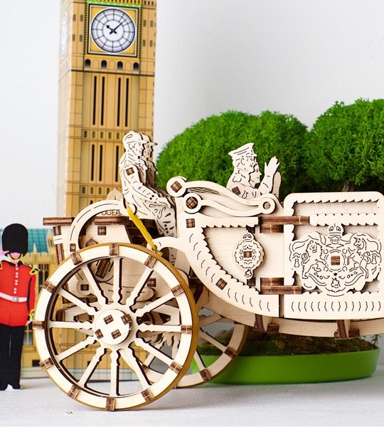 Ugears mechanical model kit Royal Carriage and wooden 3D puzzle for self-assembly. Self-propelled carriage with royal family members characters. Original gift for boys and girls and smart hobby for grown-ups.