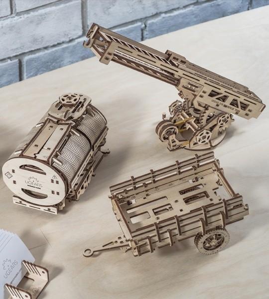 Ugears mechanischer Modellbausatz Erweiterungs-Set für UGM-11 LKW und 3D-Puzzle aus Holz. Tanker, Feuerleiter und Fahrgestell. Originelles Geschenk für Jungen und Mädchen und smart Hobby für Erwachsene.