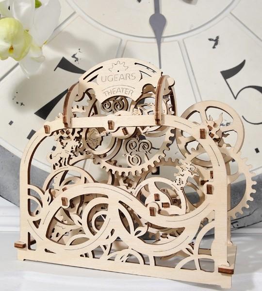 Ugears mechanischer Modellbausatz Theater und Holzpuzzle 3D. Kinetisches Bild mit beweglichen Zahnrädern und Märchenfiguren. Originelles Geschenk für Jungen und Mädchen und schickes Hobby für Erwachsene