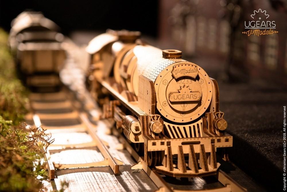V Express Steam Train With Tender Mechanical Model Kit