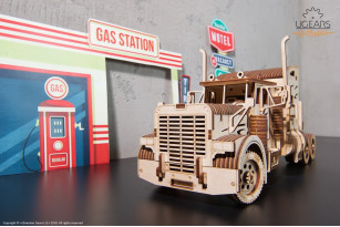 «Heavy Boy Truck VM-03» mechanical model kit