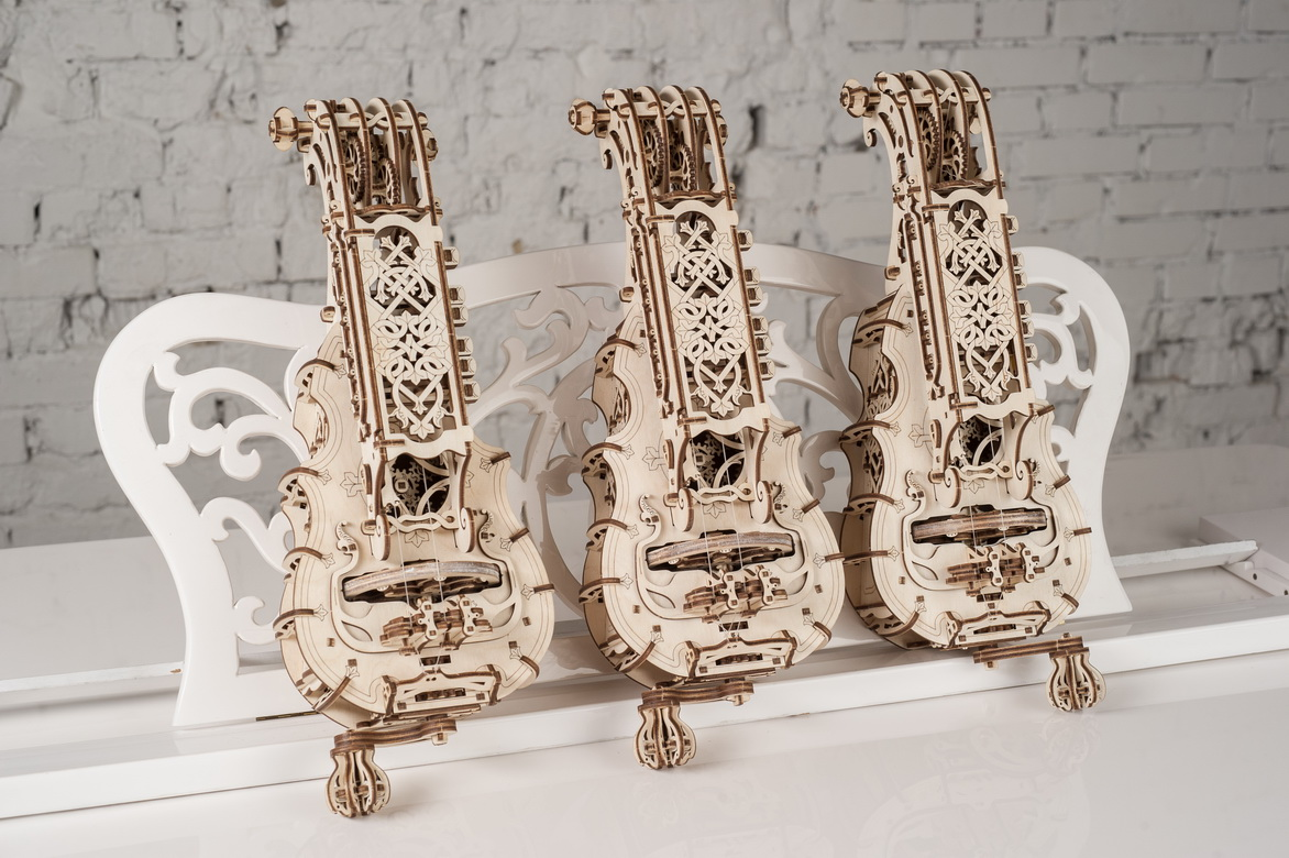 The Hurdy-Gurdy has a meticulously detailed design