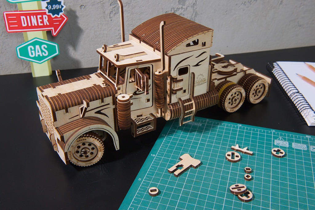Ugears' Heavy Boy Truck VM-03